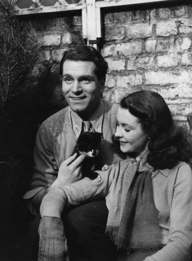 Vivien-Leigh-and-Laurence-Olivier-vivien-leigh-12244358-1300-1770